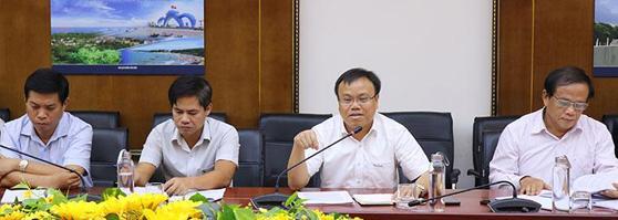Phó Chủ tịch UBND tỉnh Quảng Trị Lê Đức Tiến làm việc với đoàn công tác Viện Chiến lược Phát triển, Bộ Kế hoạch và Đầu tư